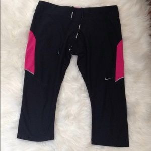 Nike Athletic Capris Exercise Workout Pants Size L